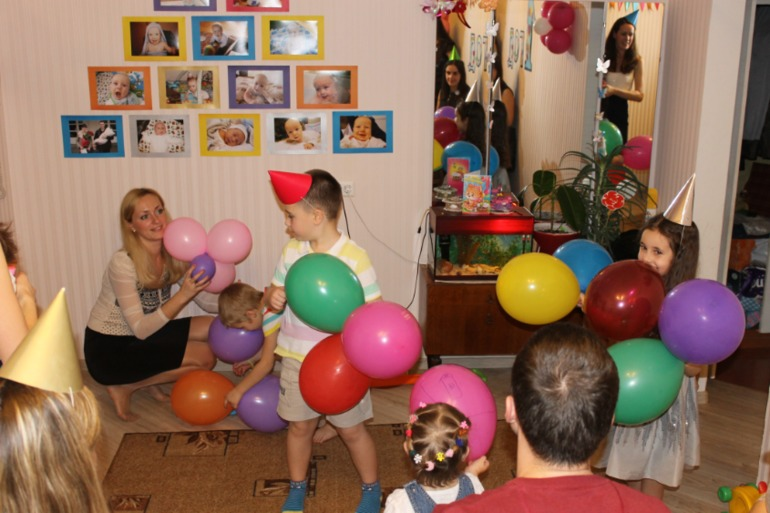 Как  мы  праздновали  годовасие