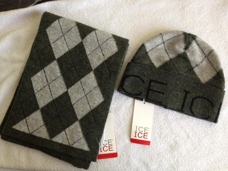 ICEBERG (шапка+шарф) на мальчика 2500р.