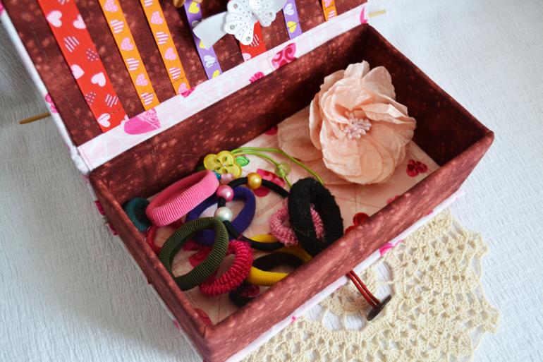 Как сделать коробочку для резинок своими руками 13