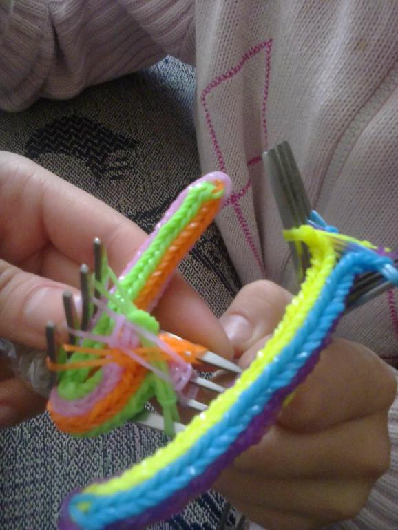 Схема плетения звездочки из резинок