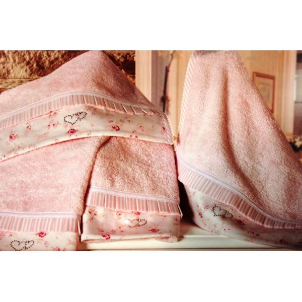 Текстиль для дома-полотенца, скатерти, постельное белье в наличии в магазине!