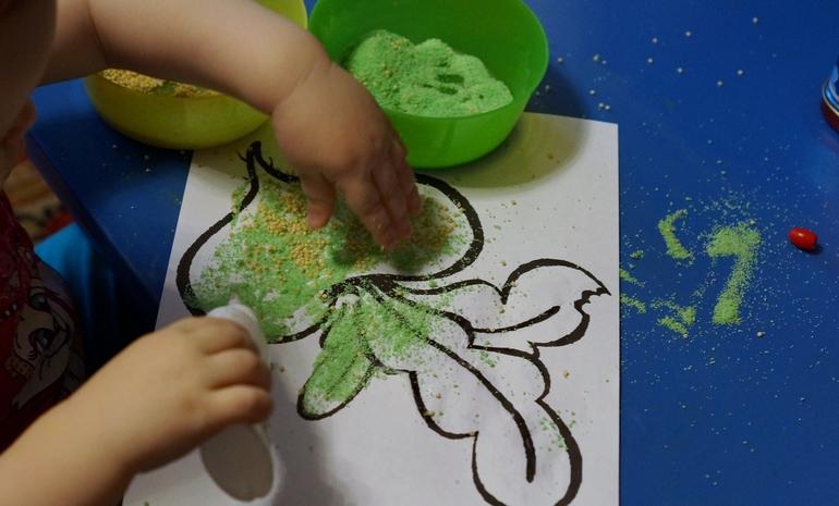 Рисование клеем и солью - Поделки с детьми Деткиподелки