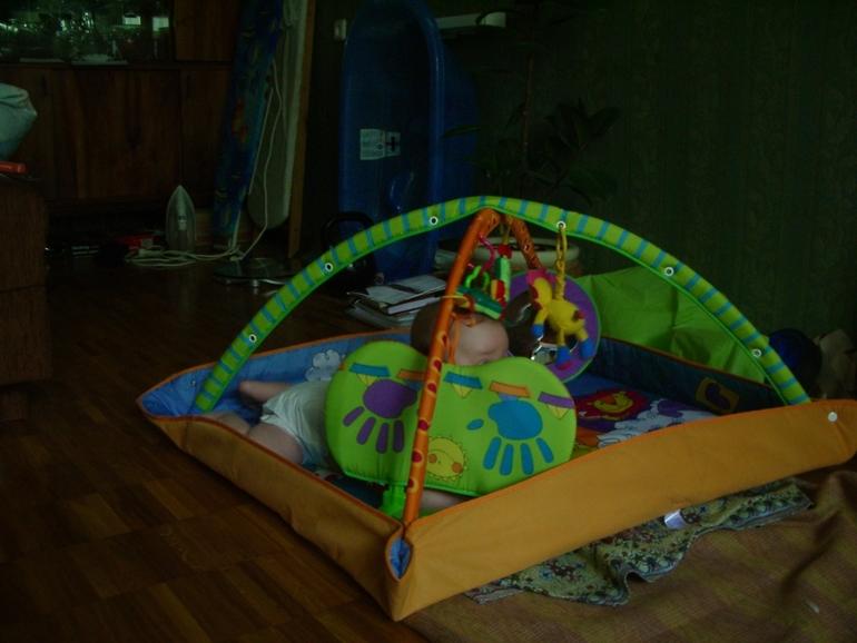 Детские качели и развивающий коврик