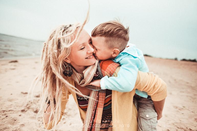 Смотреть ролики сын удовлетворяет мать 22 фотография