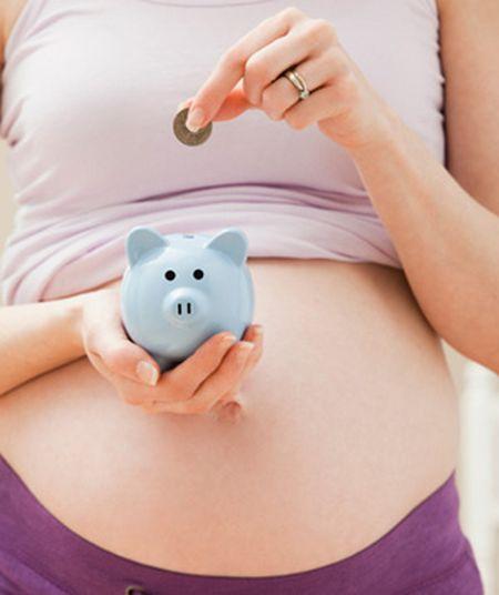 Какие деньги положены беременной если она не работает 8