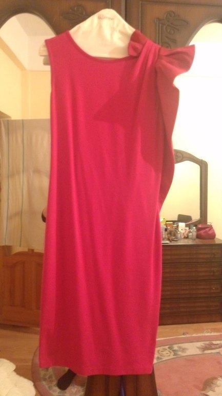 Red valentino размер М одето на 2 часа 8500
