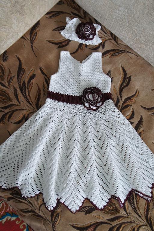 Вот такое платье вязала в