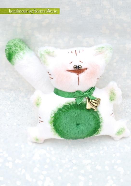 Погладь кота!!!!! Ну погладь.....