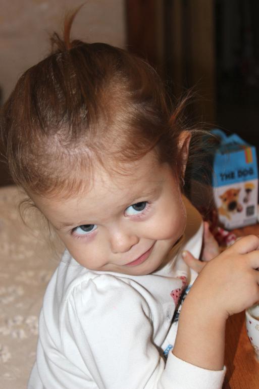 Сын накачал мать снатворным и всунул ей врот член и кончил 21 фотография