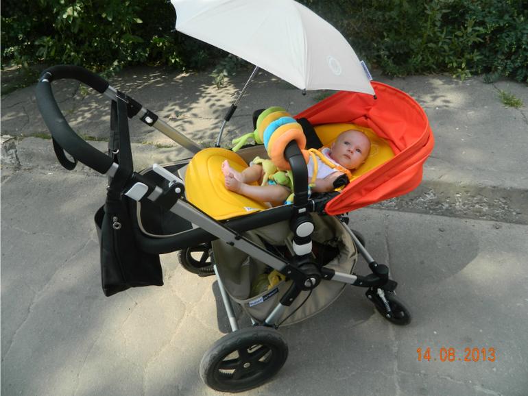Можно ли сажать ребенка в прогулочную коляску если он не сидит 16