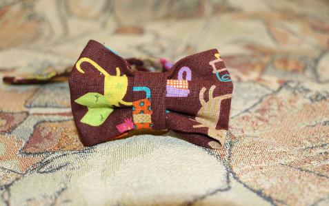 Бабочка на шею из ткани без швейной машинки