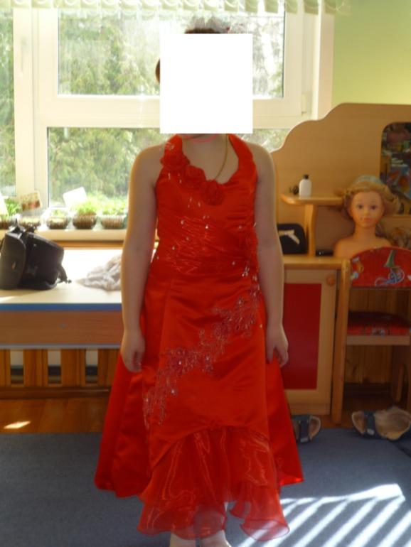 Шикарное платье для новогоднего утренника! 3500 руб.