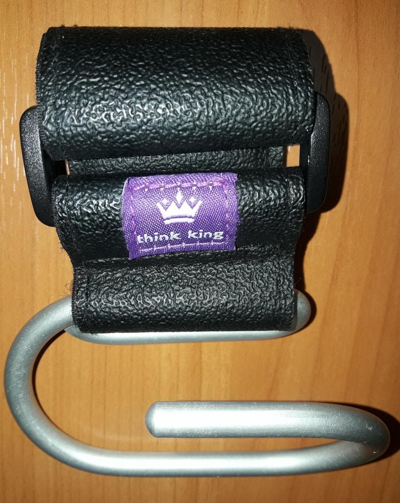Карабин для ручки коляски Think King