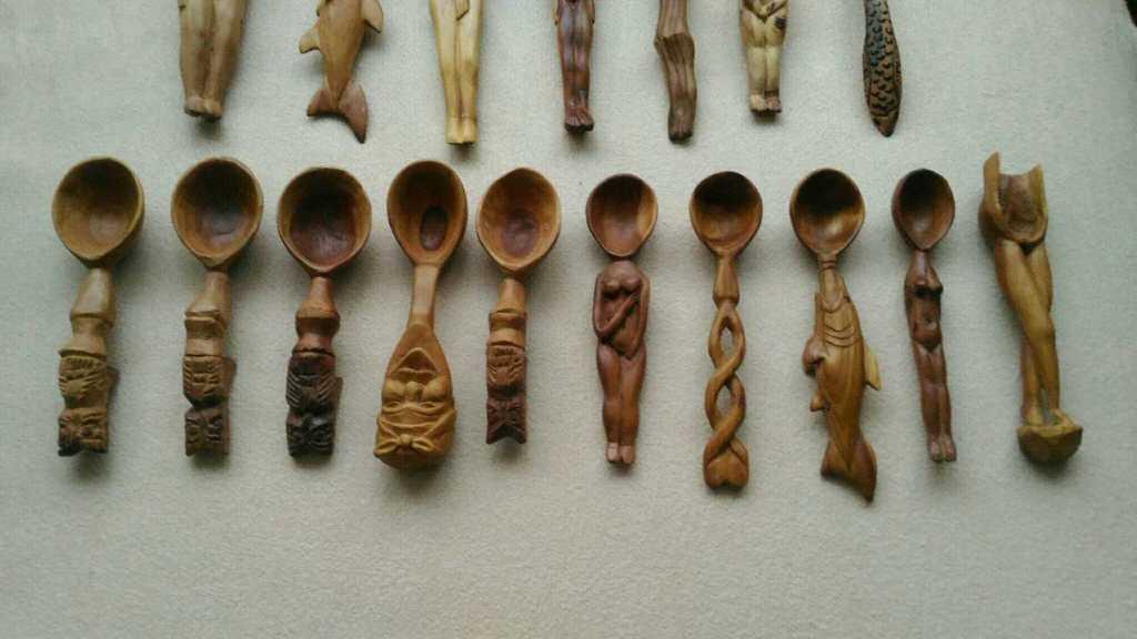 Коллекция резных ложек