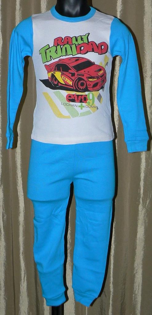 Две пижамы новые с этикетками р.104