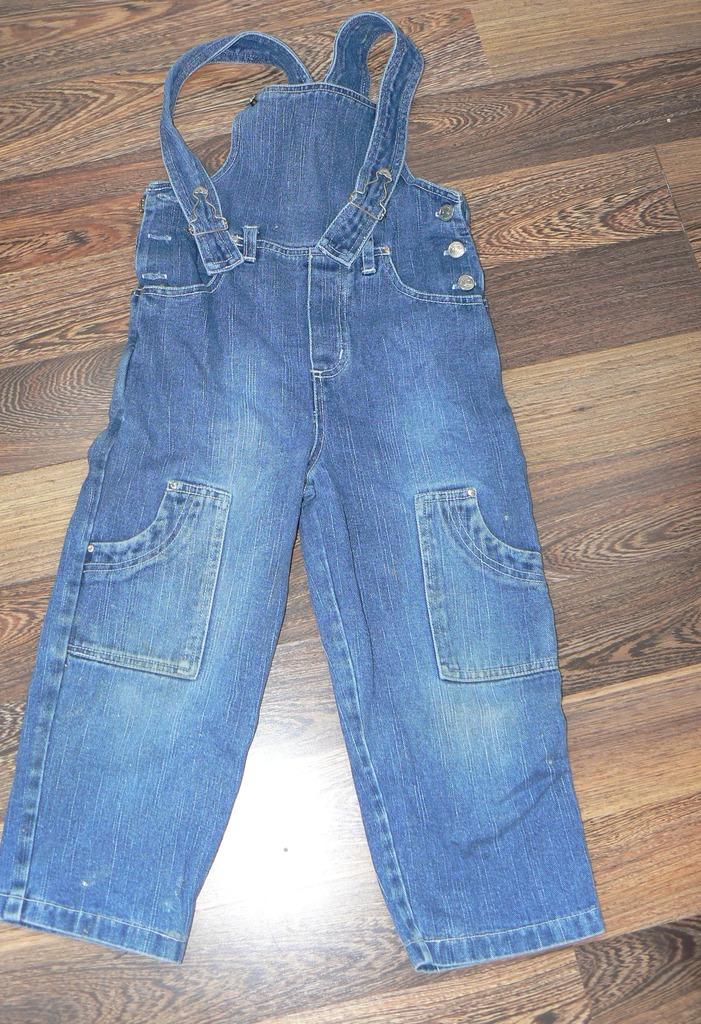 Отдам Полукомбез джинсовый б/у р.110-116