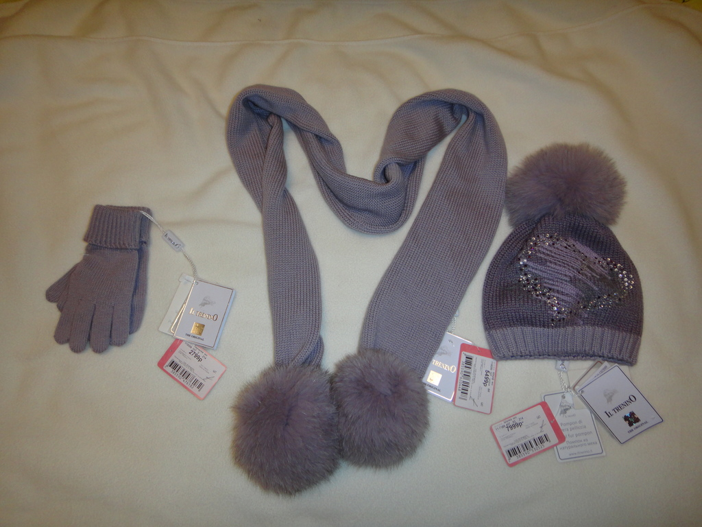 новые шапка+шарф+перчатки р. 3  Il Trenino Италия