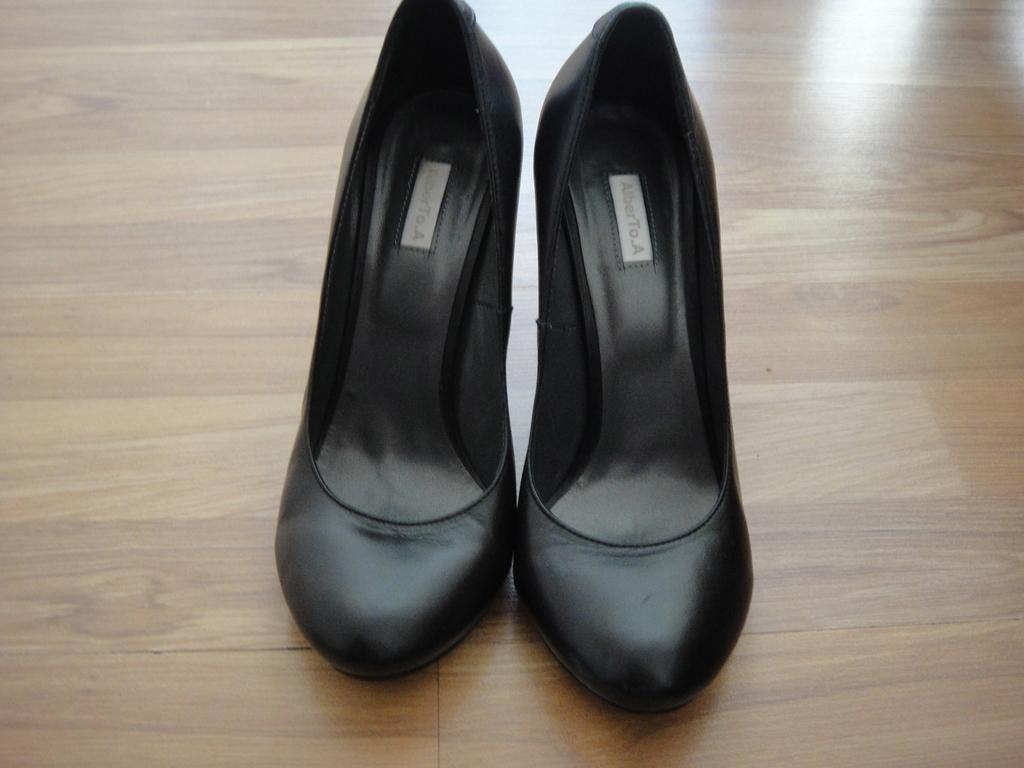 Кожаные туфли AibertoTo.A (38 размер)