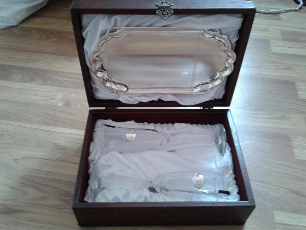 бокалы для шампанского с серебренными вставками
