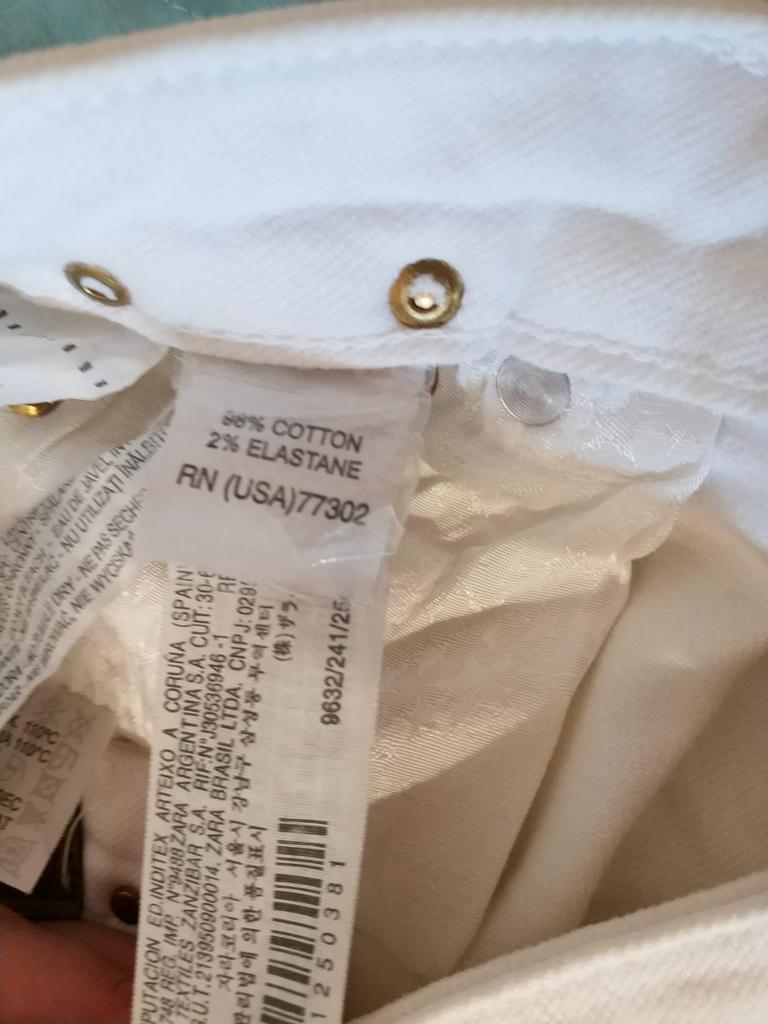 Джинсы Zara размер 38 на наш 44 новые