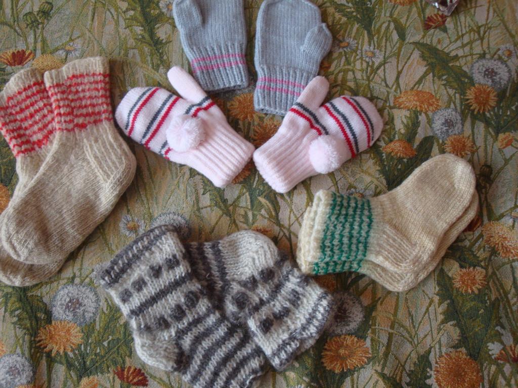 Варежки,носки -1-2 г.