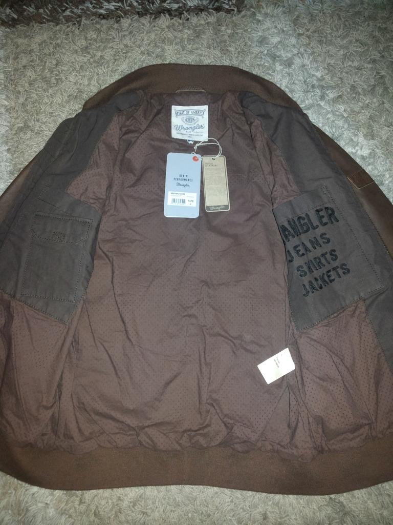 кожаная куртка Wrangler размер L 48-50