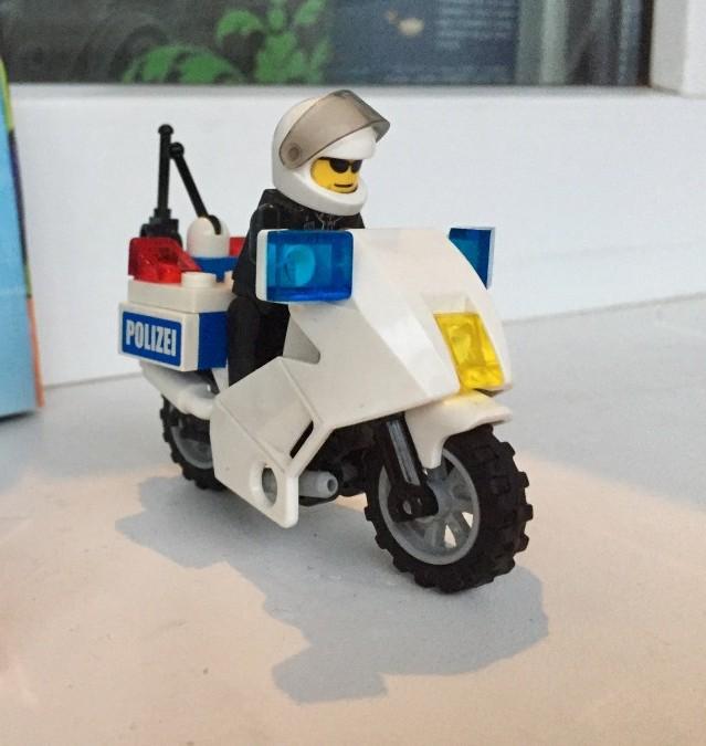 Полицейский мотоцикл Lego 7235