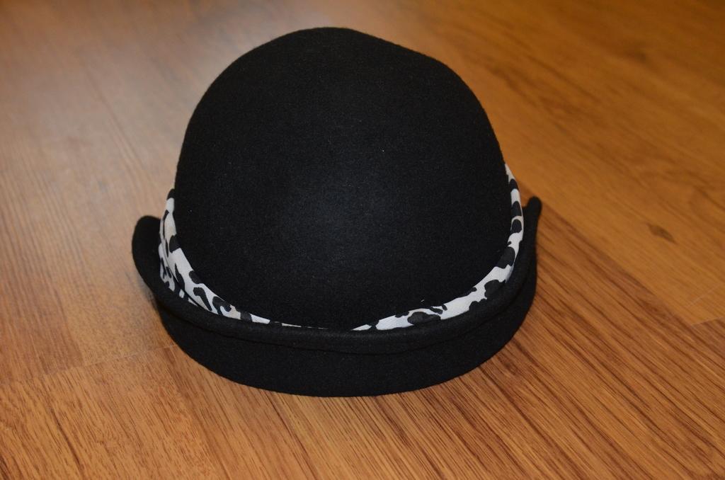 Шерстяная шляпка gymboree 3-4г.