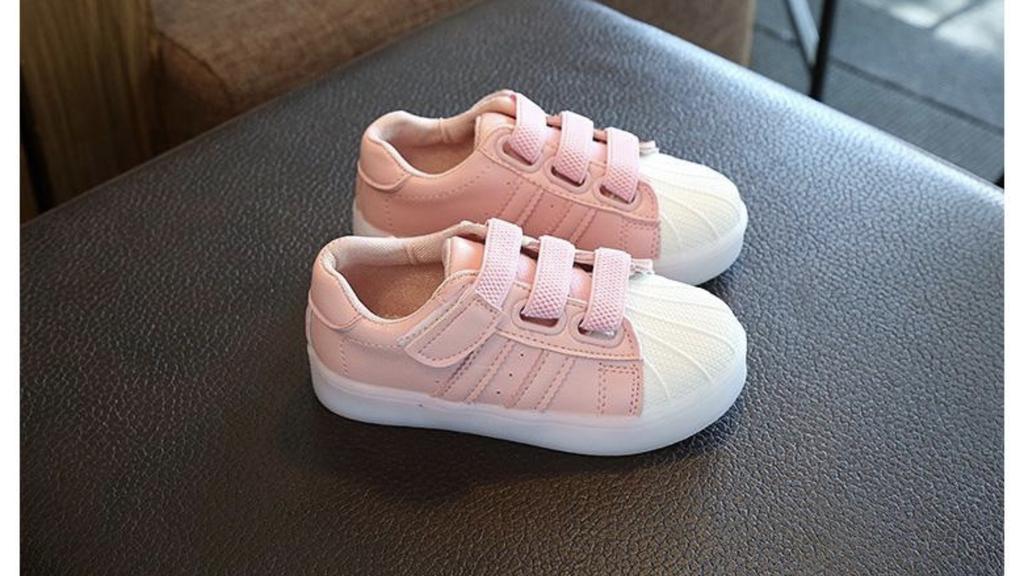 детские кроссовочки с мигалками