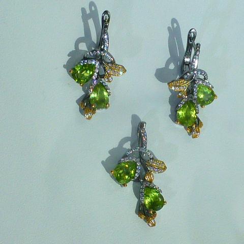 серьги+кулон гарнитур серебро с перидотами и цркн