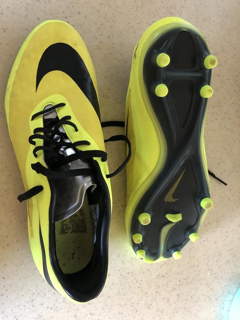 4c68a577 Продаю бутсы сороконожки Nike 39 p в Москве - Барахолка Бебиблога