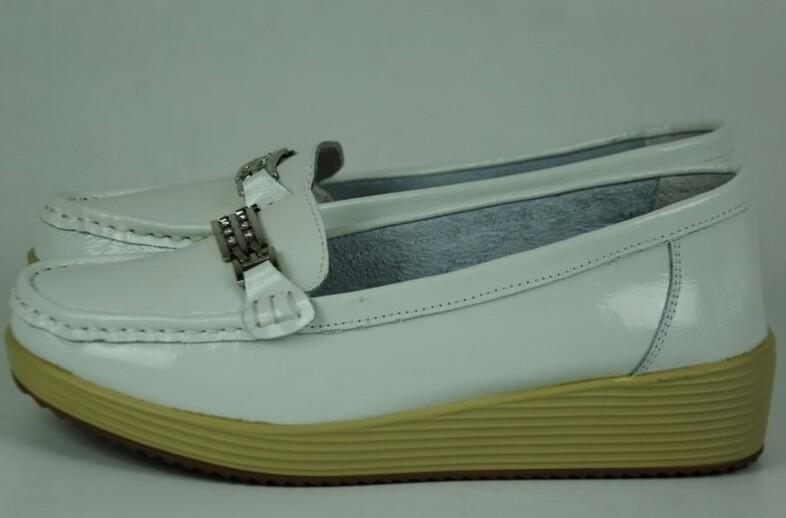 Новые туфли лоферы, Натуральная лак.кожа   р.36-41