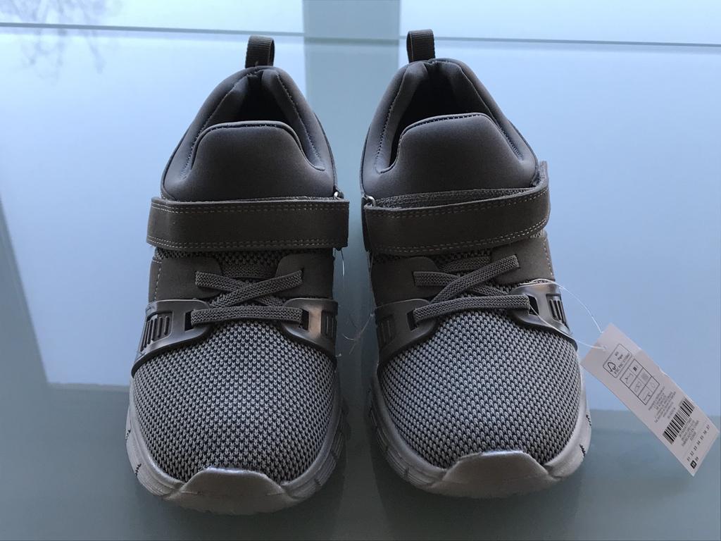Новые Стильные Кроссовки на мальчика р.38 (Испания