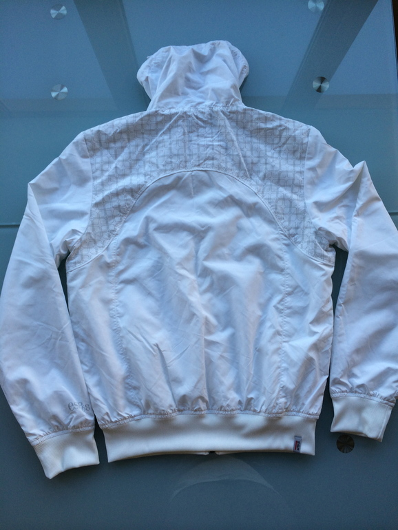 Новая стильная курточка-ветровка Esprit Sports Ори