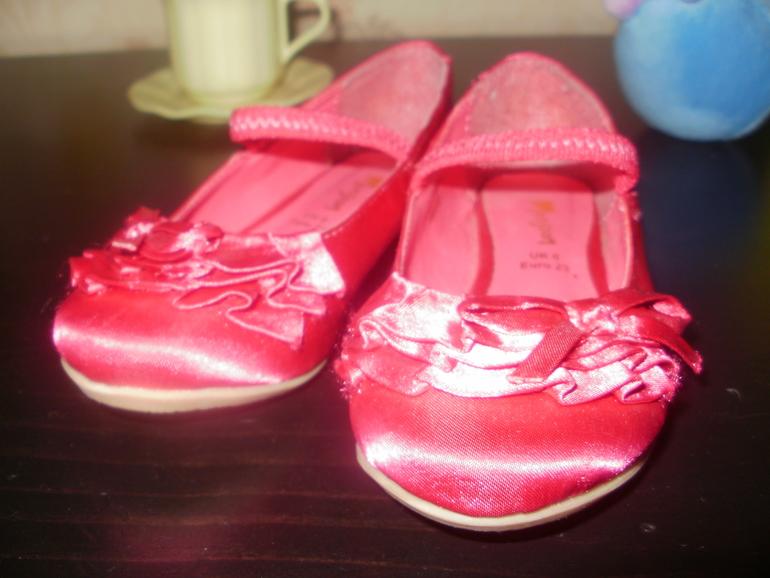 Атласные туфельки MONSOON на р.23