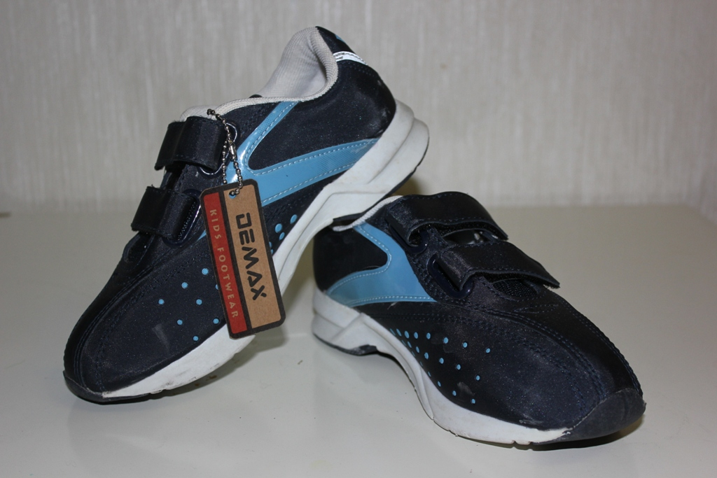 Новые кроссовки demax