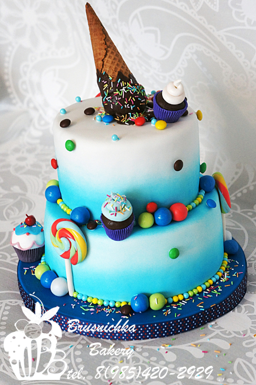 Торт с мороженым наверху
