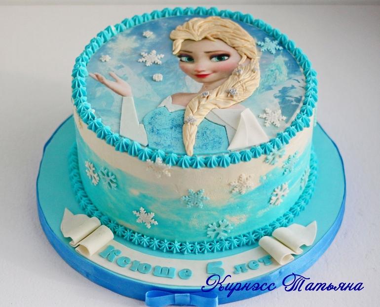 торт с вафельными картинками одной версий