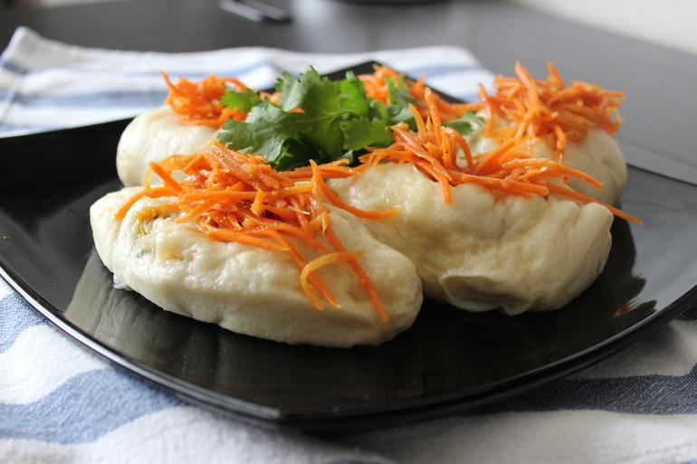 Пигоди с корейской морковкой