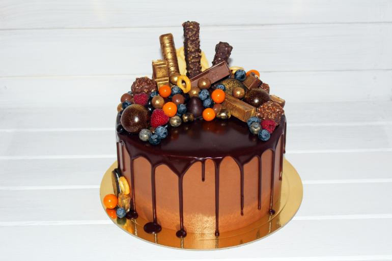 вузы Москвы шоколадный торт из конфет Македонский, между