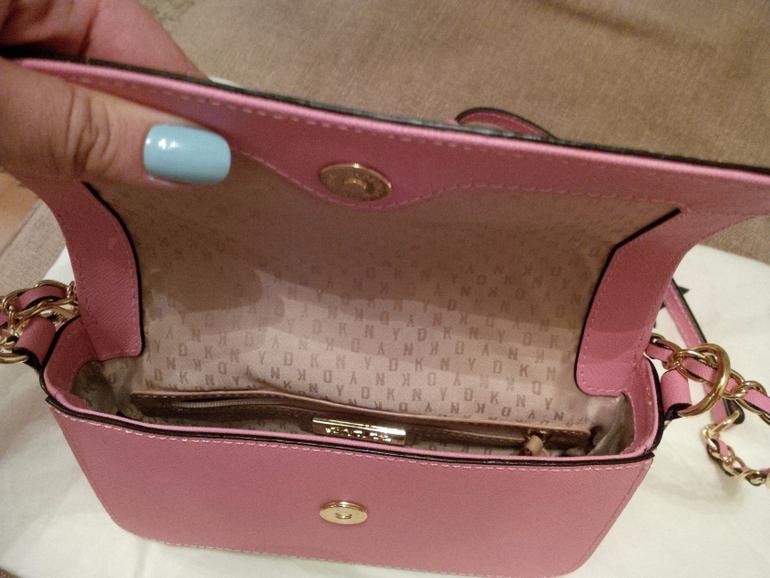 b13bee288fab Ожидала сумку другого оттенка. В ЦУМе эта модель сейчас стоит 12000 руб,  продаю за 6500. Небольшой торг уместен.
