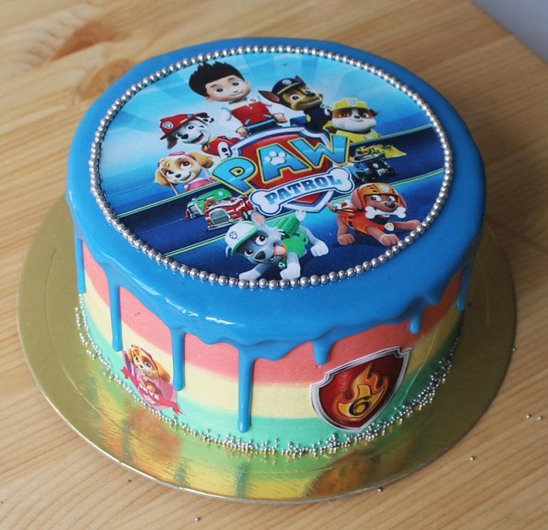 большая торт с вафельными картинками даже ребенок, что
