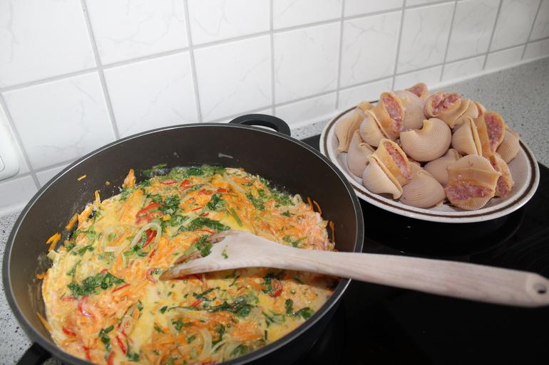 Приготовление первых блюд горшочках