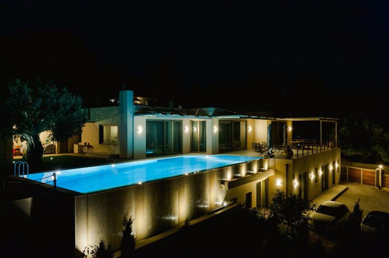 ТермобельеДРУГИЕ крутые отели на афинской ривьере ношу наверное 3-й