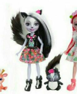 Куколки Enchantimals с любимой зверушкой.