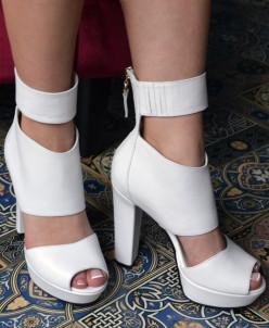 Кожаные шикарные босоножки на каблуке. Новая коллекция!