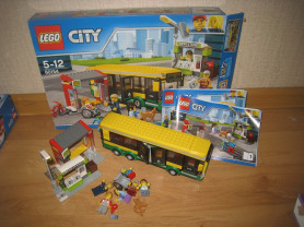 LEGO City Town Автобусная остановка (60154)