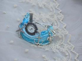 Голубые часы-браслет