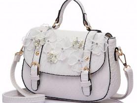 Белоснежная сумочка