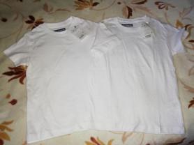 Новые две футболки белые на 5 и 6 лет...